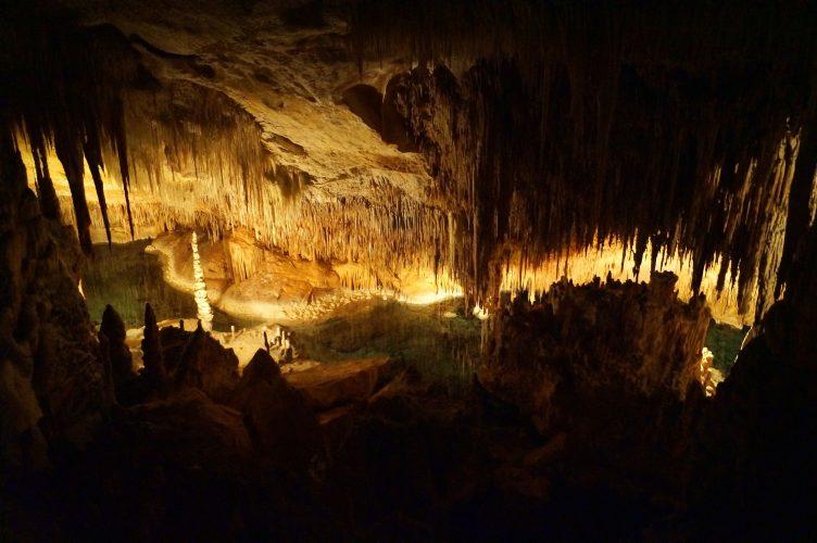 Mallorca Tagestour: Porto Cristo - Tropfsteinhöhlen, Höhlenkonzert und Expedition