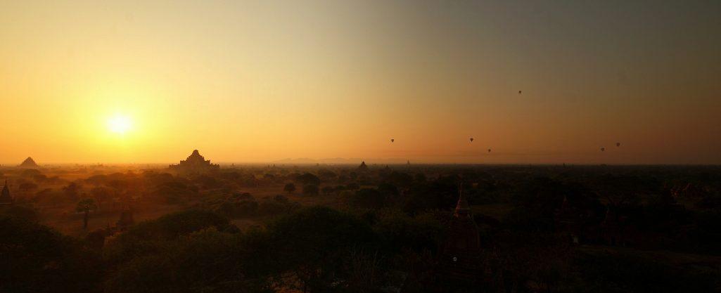 Bagan - Die Stadt der Tempel: Vom Sonnenaufgang bis zum chaotischen Ende