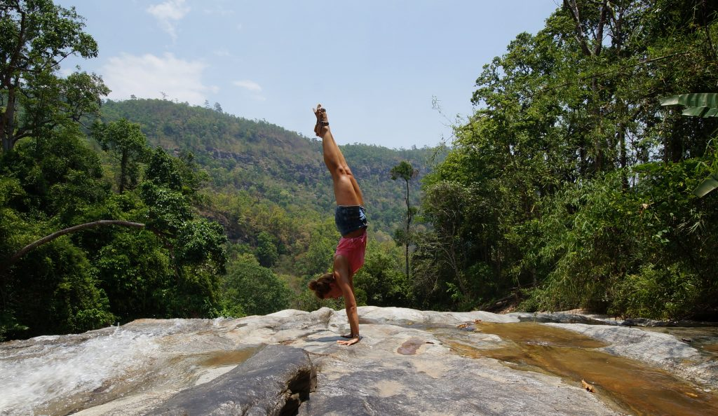 Chiang Mai's Umgebung: Doi Inthanon Nationalpark - Wasserfall, höchster Berg und Zwillingspagoden