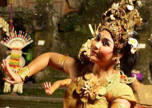 Balinesische Tänzerin in Ubud