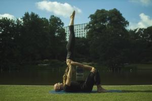 AcroYoga: Partnerakrobatik lernen partnerakrobatik