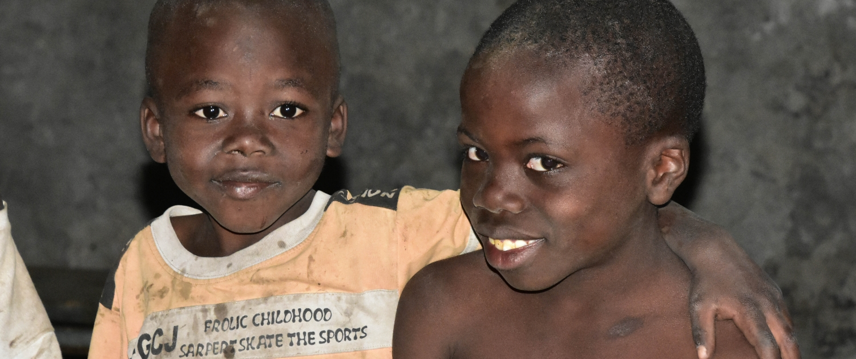 Waisen im Kongo