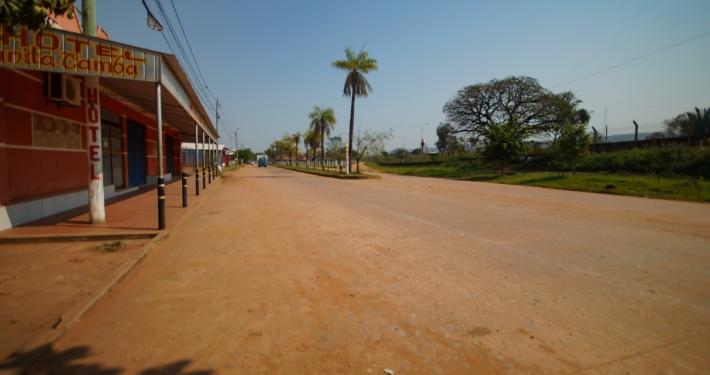 Straße in Roborés Zentrum