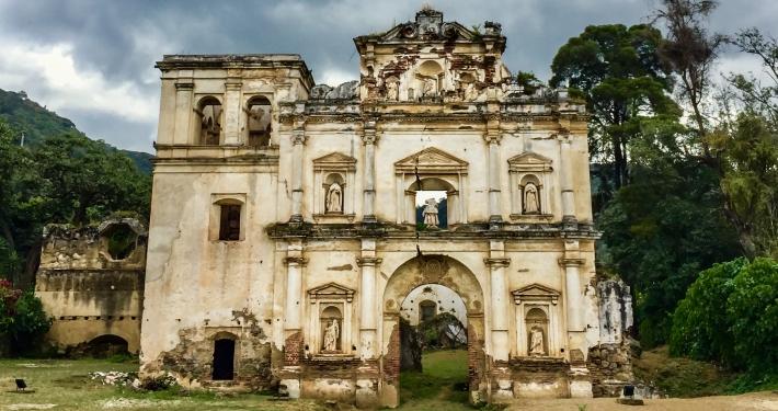 Alameda del Calvario Guatemala
