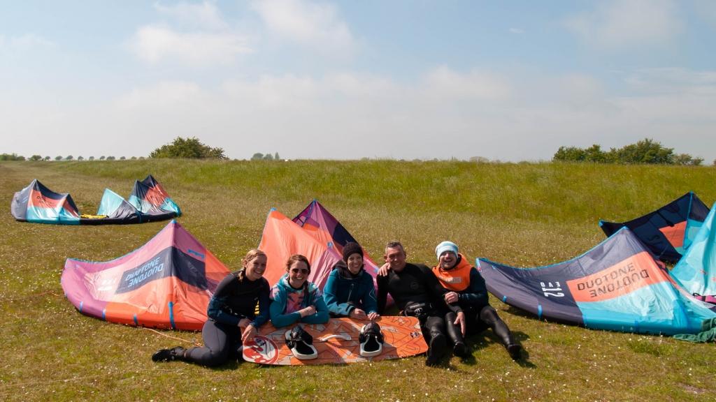 Kitesurfen lernen: Anfänger-Kurs bei den Windgeistern auf Fehmarn