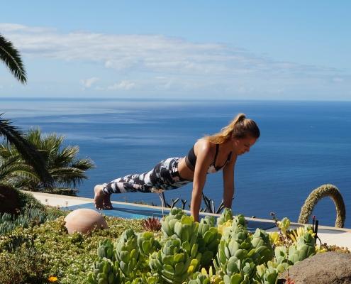 Yoga Urlaub: mit Poweryoga fit auf Reisen. Anleitung für 44 Yoga Posen yoga urlaub