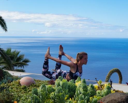 Bogen im Yoga Urlaub