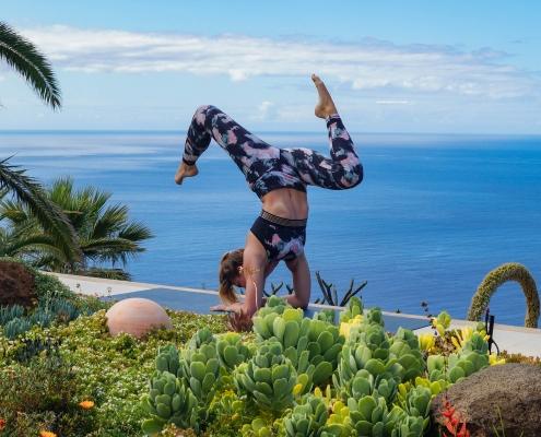 Unterarmstand im Yoga Urlaub