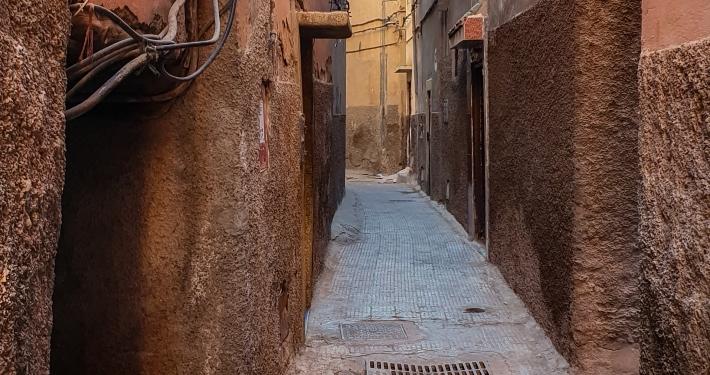 Enge Gasse in Marrakesch