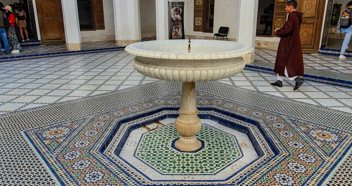 Brunnen im Bahia Palast in Marrakesch
