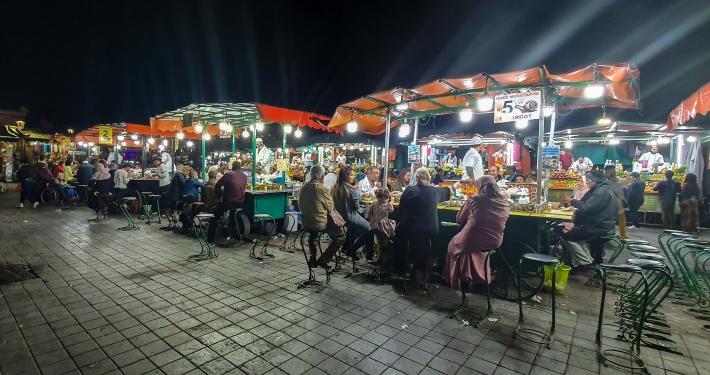 Garküchen auf dem Djemaa el-Fna in Marrakesch