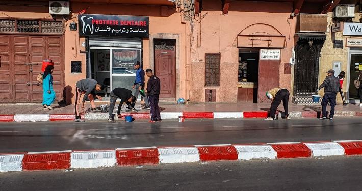 Straßenbemalung in Marrakesch
