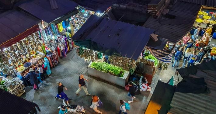 Blick auf den Souk von Marrakesch