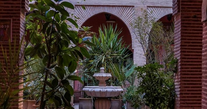 Versteckter Innenhof in Marrakesch