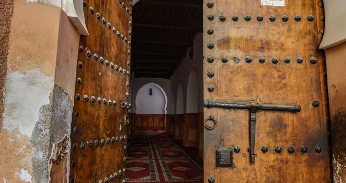 Alte Tür in Marrakesch