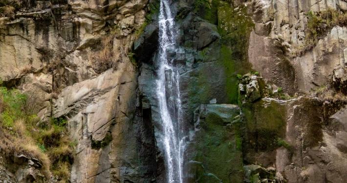 Wasserfall auf dem Salkantay Trek