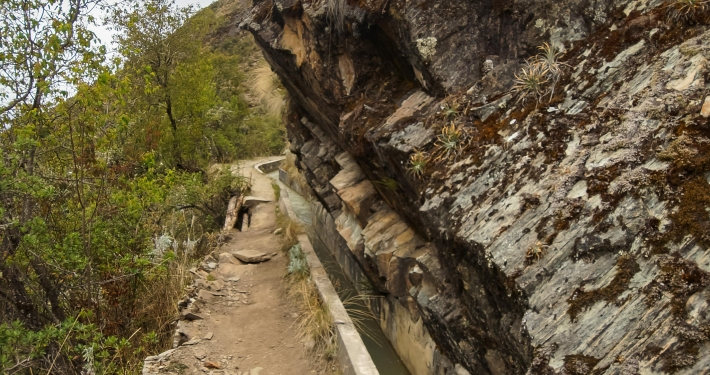 Kanals und Felsen Salkantay Trek