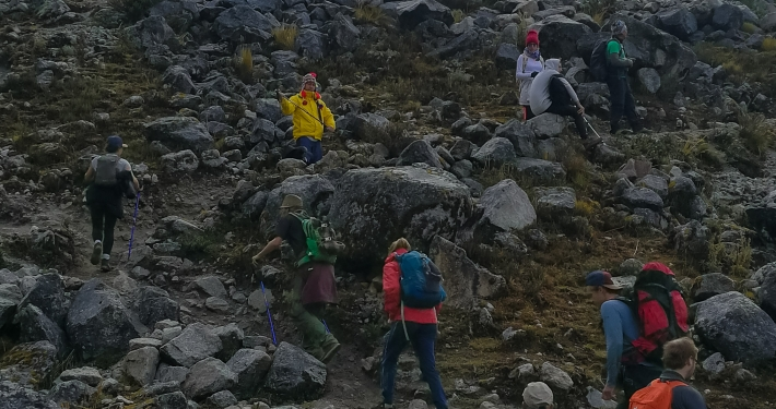 Steiler Weg zum Salkantay Pass