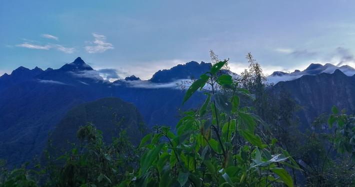 Dämmerung auf dem Weg hinauf zu Machu Picchu