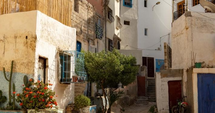 Staubige Straße in Taghazout