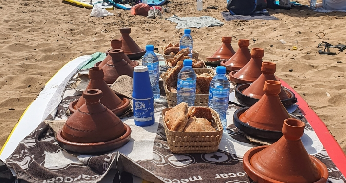 Tajine am Strand in Marokko