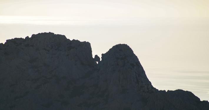 Schroffe Klippen und Berge auf Formentor