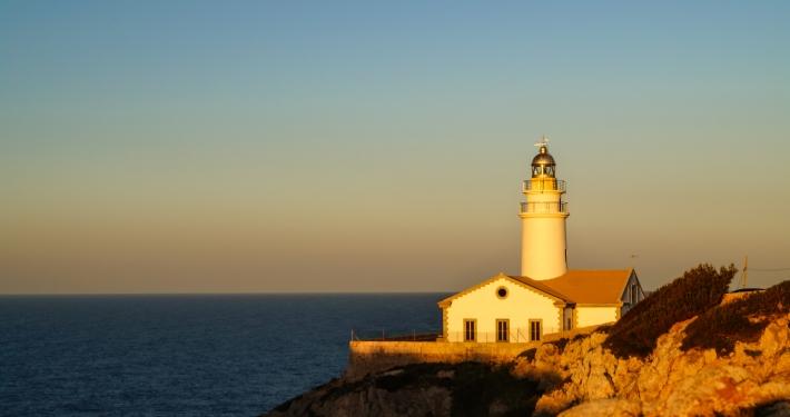 Sonnenuntergang am Leuchtturm Faro de Capdepera in Cala Ratjada