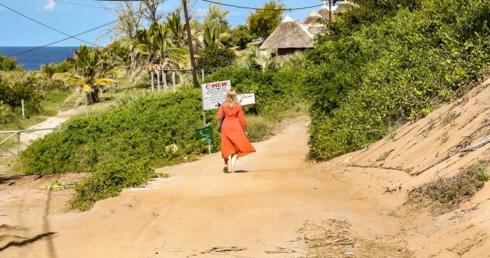 Sandpiste zu unserer Unterkunft in Mosambik