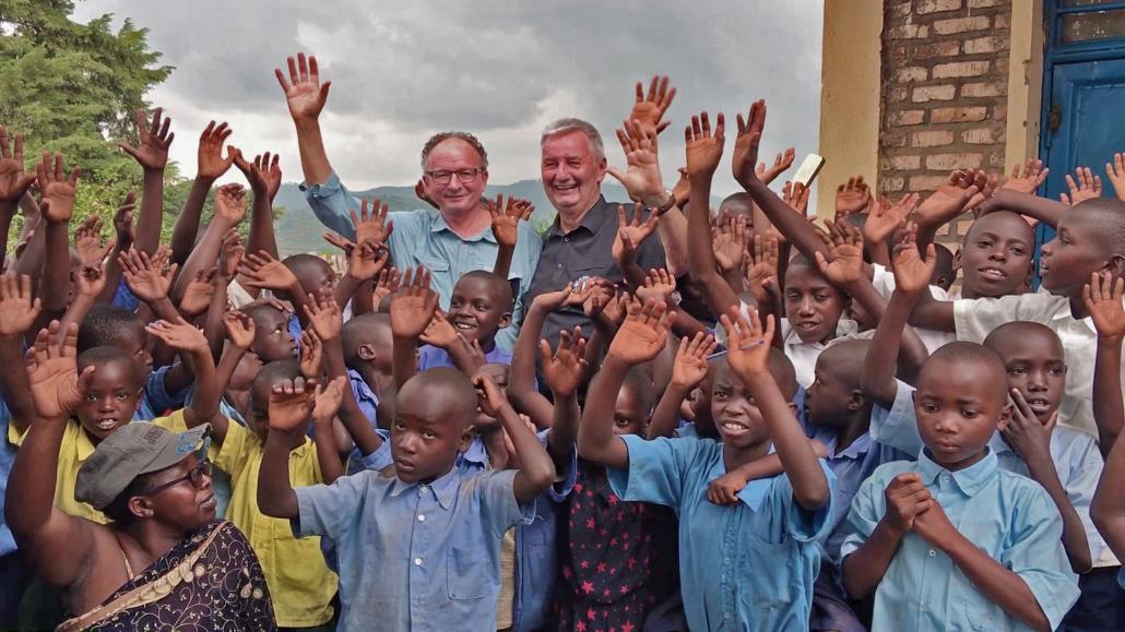 Eröffnung der Andernach Schule in Ruanda durch Fly and Help