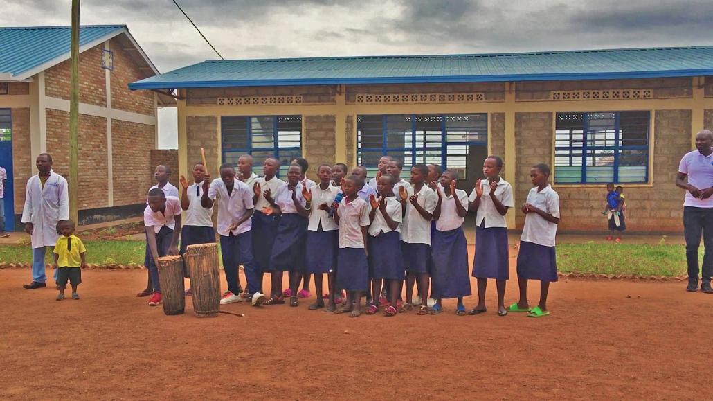Trommler Ruanda Andernach Schule von Fly and Help