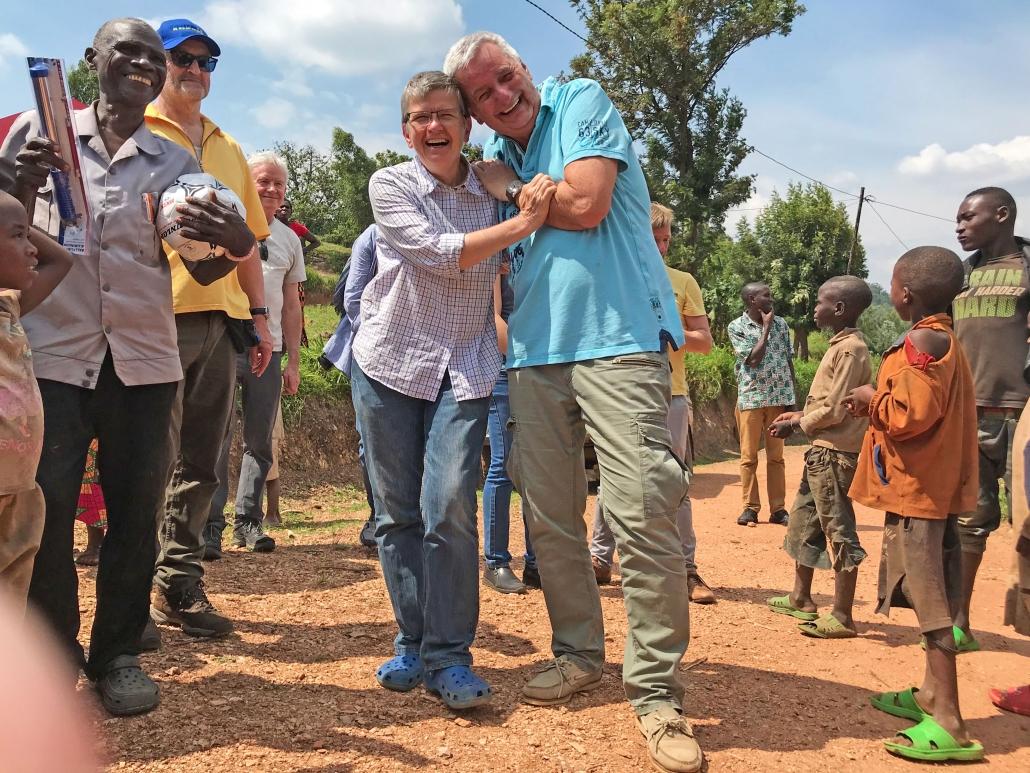 Uta Düll und Reiner Meutsch, Gikonko, Ruanda