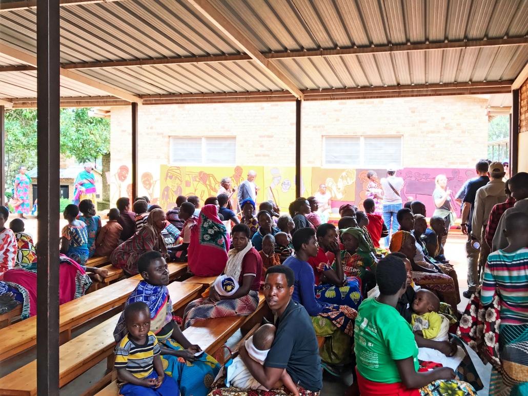 Wartezimmer im Krankenhaus Gikonko, Ruanda