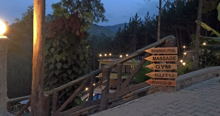 Lodge Bwindi Regenwald Uganda Ruanda